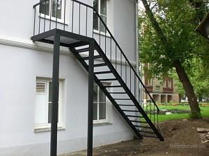 лестницы из металла от 100 000 руб